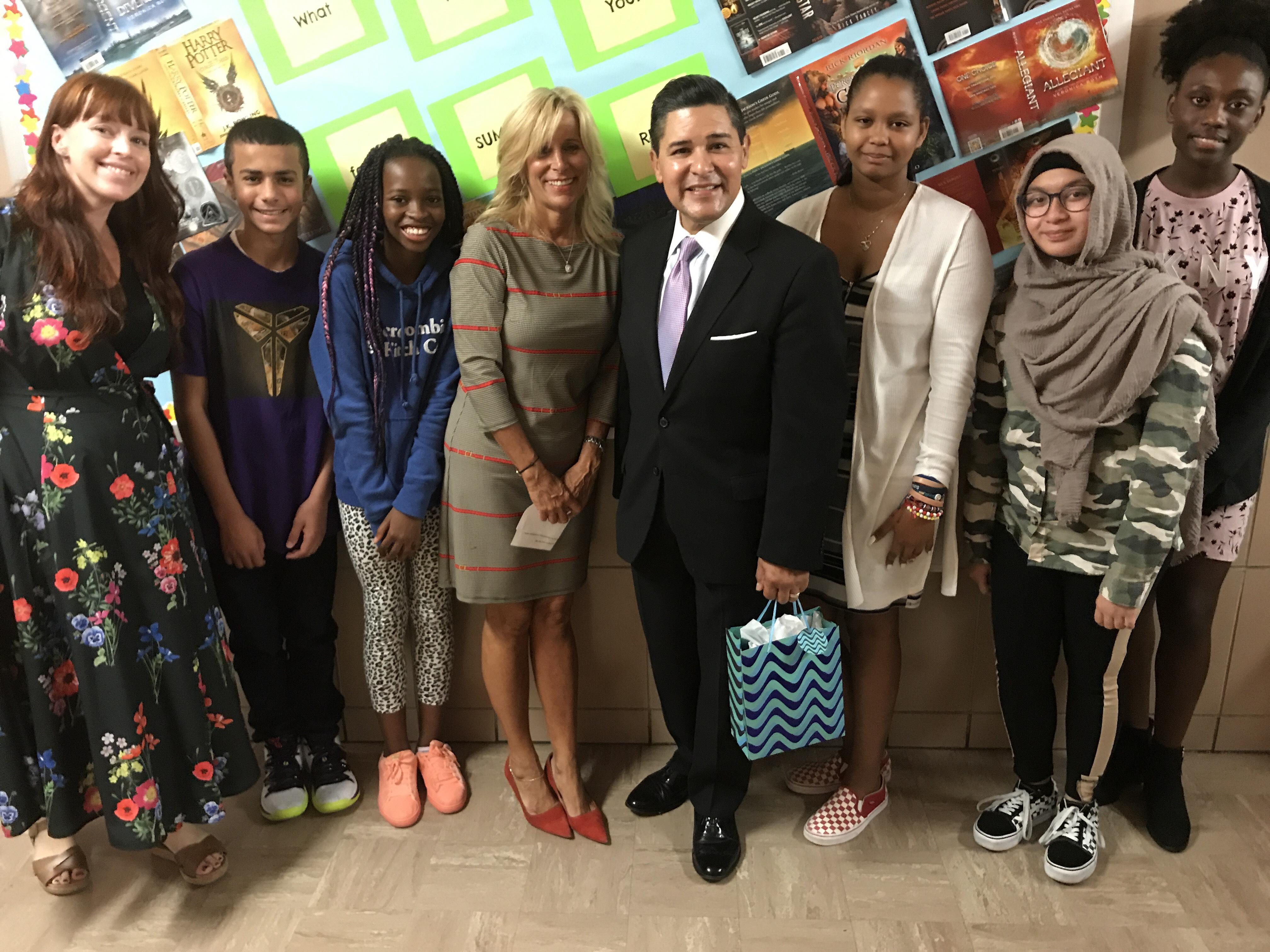 Chancellor Carranza, Ailene Mitchell, Kyra Wolfe and students from MS 88
